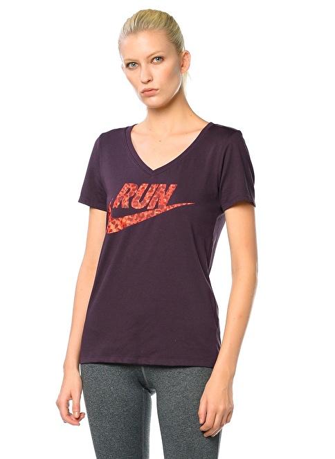 Nike V Yaka Baskılı Tişört Mor